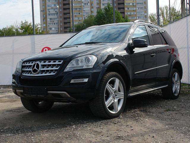 Купить б/у Mercedes-Benz M-класс, 2010 год, 380 л.с. в России