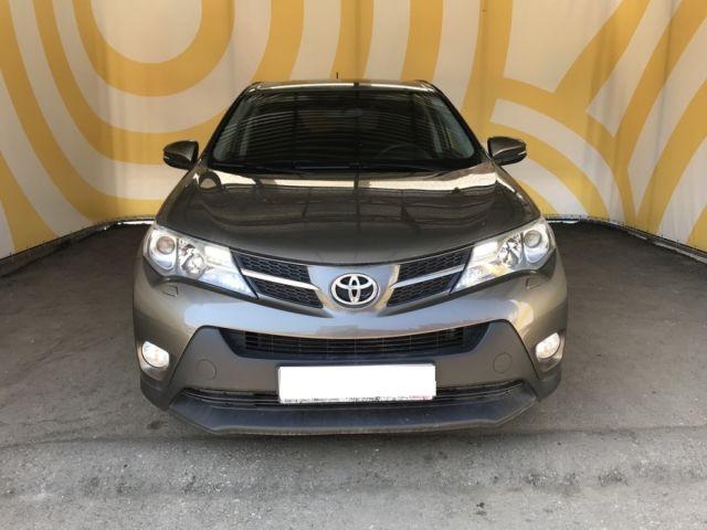 Купить б/у Toyota RAV4, 2014 год, 146 л.с. в России