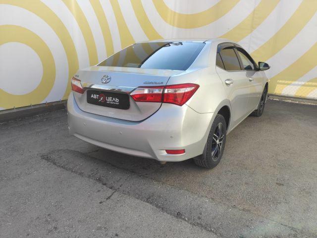 Купить б/у Toyota Corolla, 2013 год, 122 л.с. в России