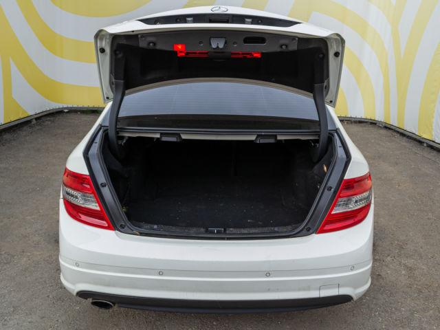 Купить б/у Mercedes-Benz C-класс, 2011 год, 156 л.с. в России