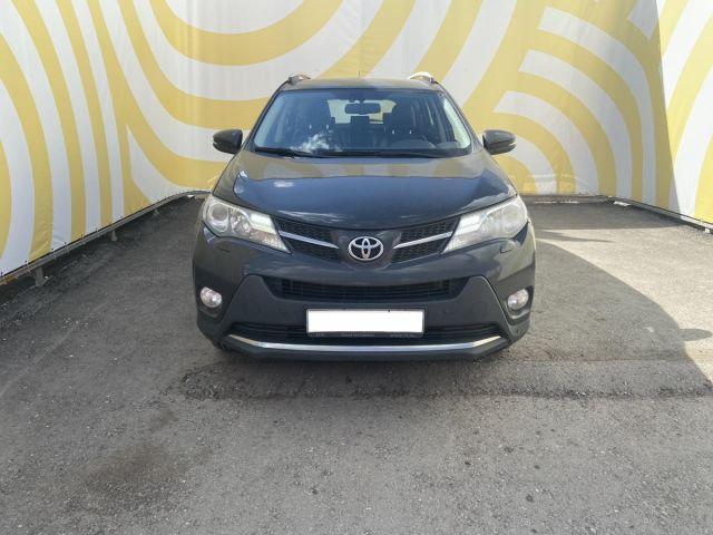 Купить б/у Toyota RAV4, 2014 год, 180 л.с. в России